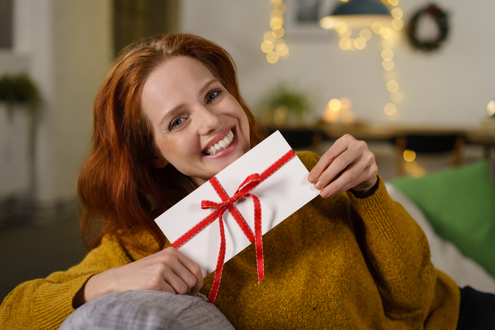 9 Great Times To Give Someone A Gift Card – Even If It's Not A Holiday!