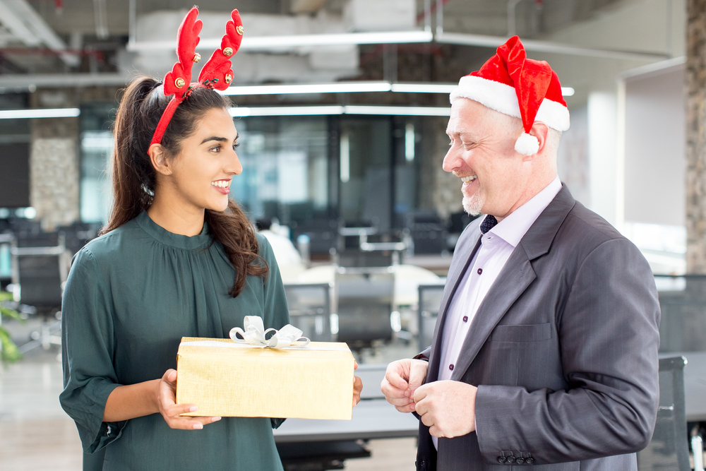 The Top 10 Tips For Holiday Gift-Giving At The Office – What You Need To Know
